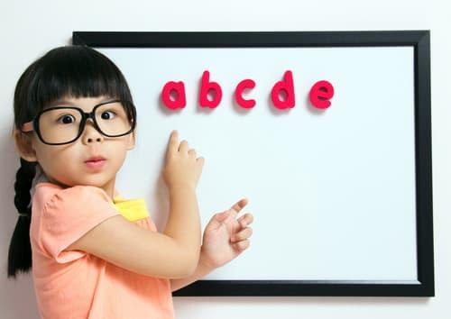 girl-with-alphabet