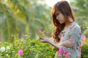 girl_flower_garden-1024x682
