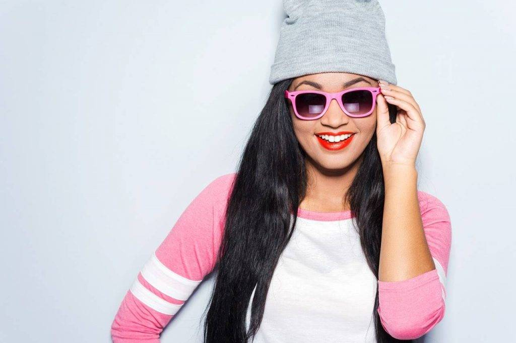 asian-hip-girl-with-sunglasses-and-hat-1024x682-1