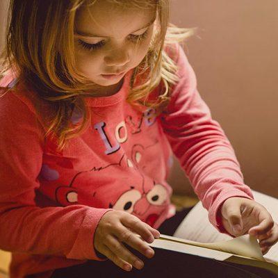 girl pink reading 640 1 e1605097605266