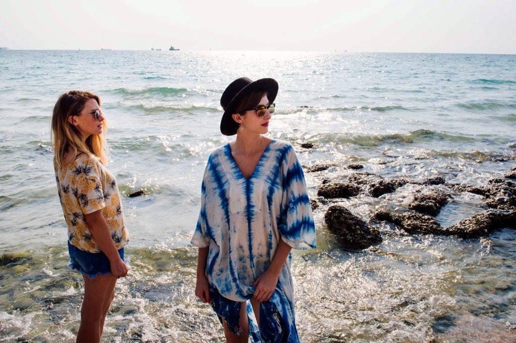 Women-Beach-Sunglasses-1280-x-853-1024x682-1