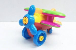 toy airplane colorful plastic 1024x682 1