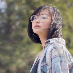 asian woman wearing round eyeglasses 640