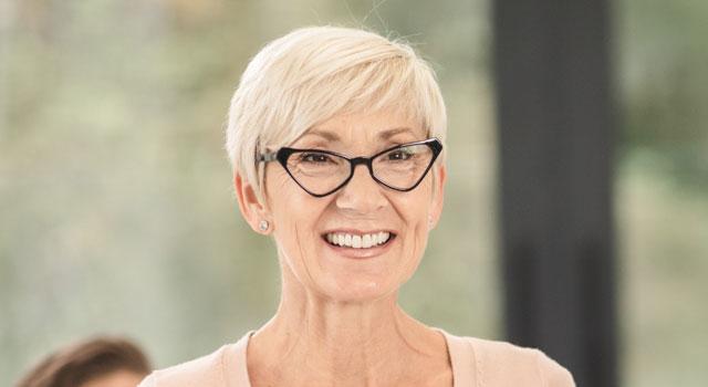 happy-senior-woman-wearing-eyeglasses-640