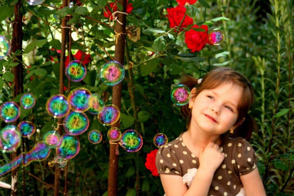 Young-Girl-Enjoying-Bubbles-1280x853-1024x682-1