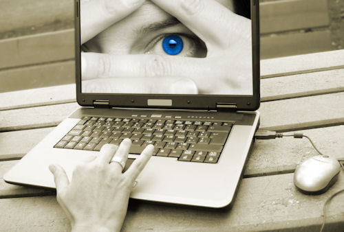 laptop-with-eye